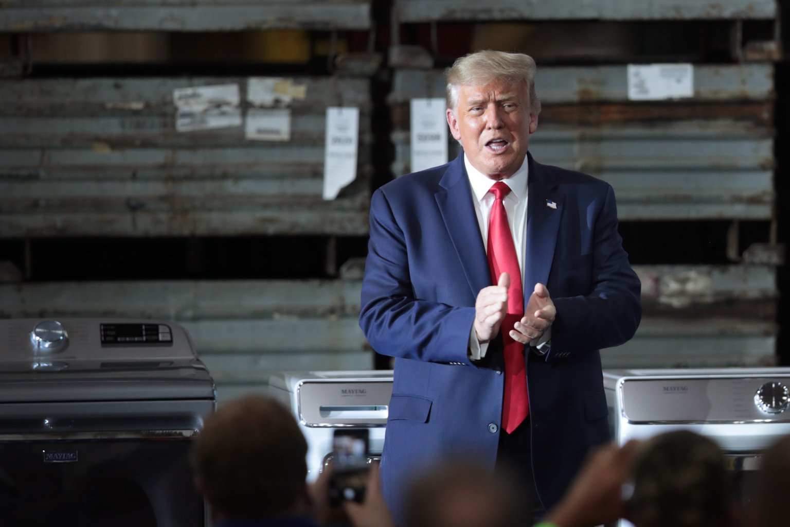 Trump moves to extend unemployment benefits, suspend payroll taxes after talks break down