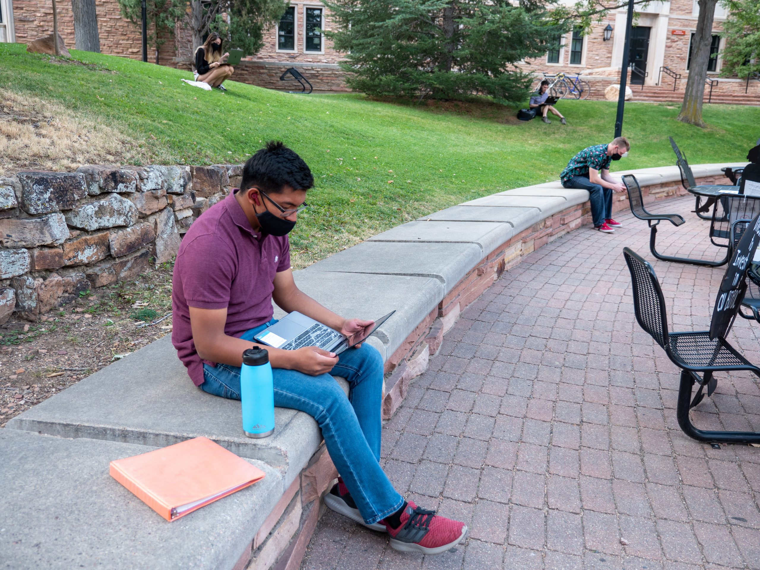CU Boulder student studying