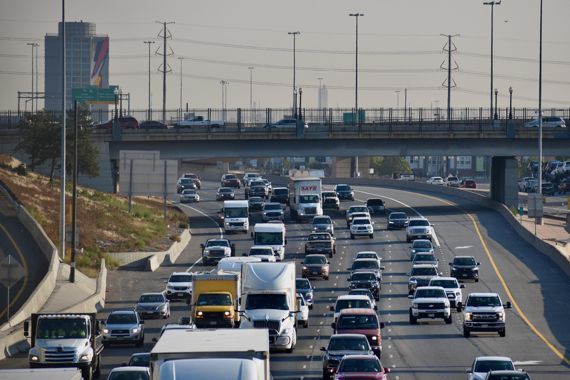 Electric buses, asphalt and bridges: Politicians jostle for federal transportation cash